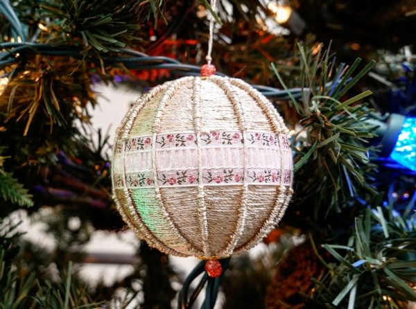 Dazzle™ makes for a beautiful finish to any craft project, whether you're decorating Easter eggs or wrapping ornaments for a Christmas tree.